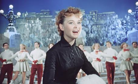 Персонажи советских фильмов научат танцевать